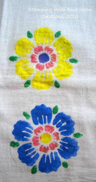 Stenciled tea towels 007